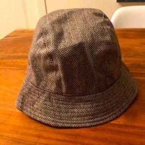 Mossimo bucket tweed hat
